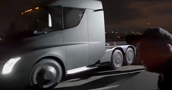 The Acceleration Of The Tesla Semi Truck Is Pretty Impressive 2