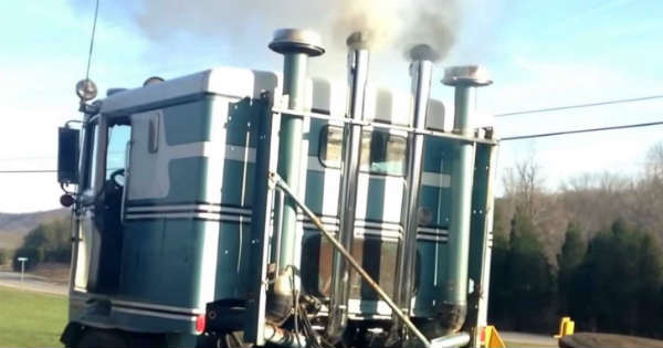 This Detroit Diesel 12v71 Sounds Like A Monster On A Cold Start 2