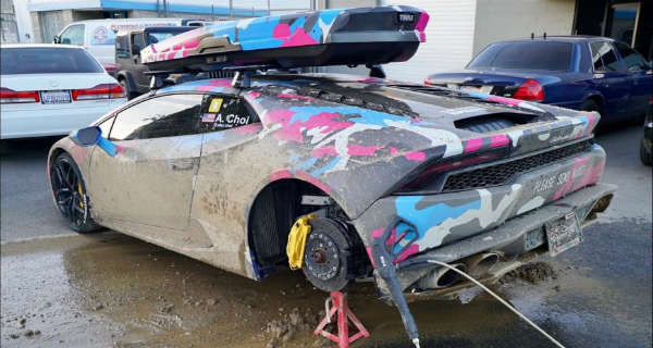 This Guy Destroyed His Lamborghini Huracan Driving It In The Mud 1