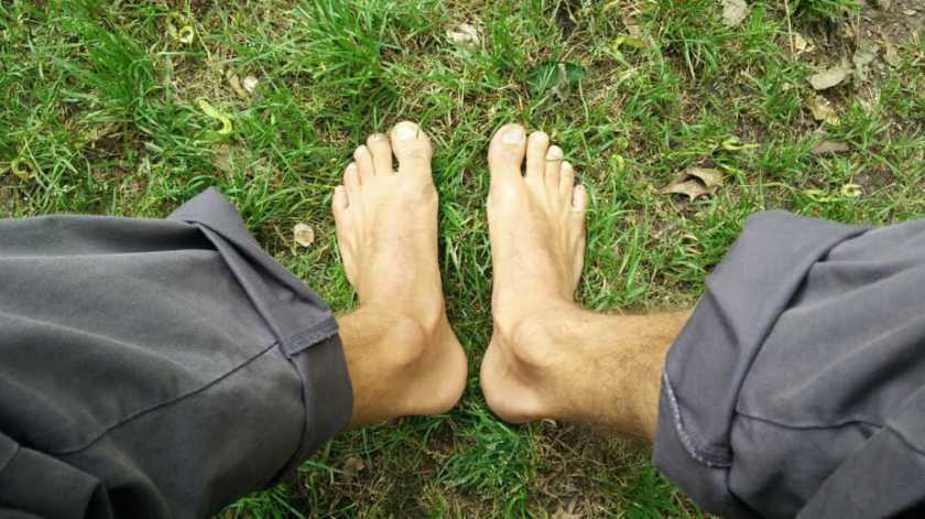 grounding / earthing = feet in the grass - connection to the ground