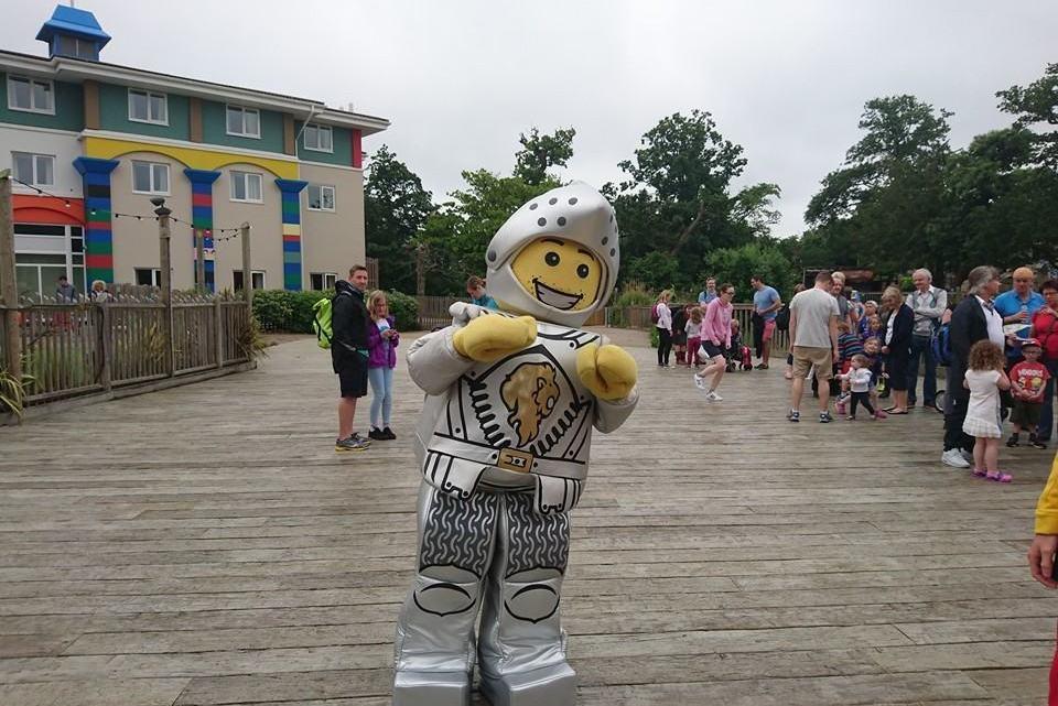 Legoland Windsor – Lego Friends Amusement Park And new Nexo knights 4D film