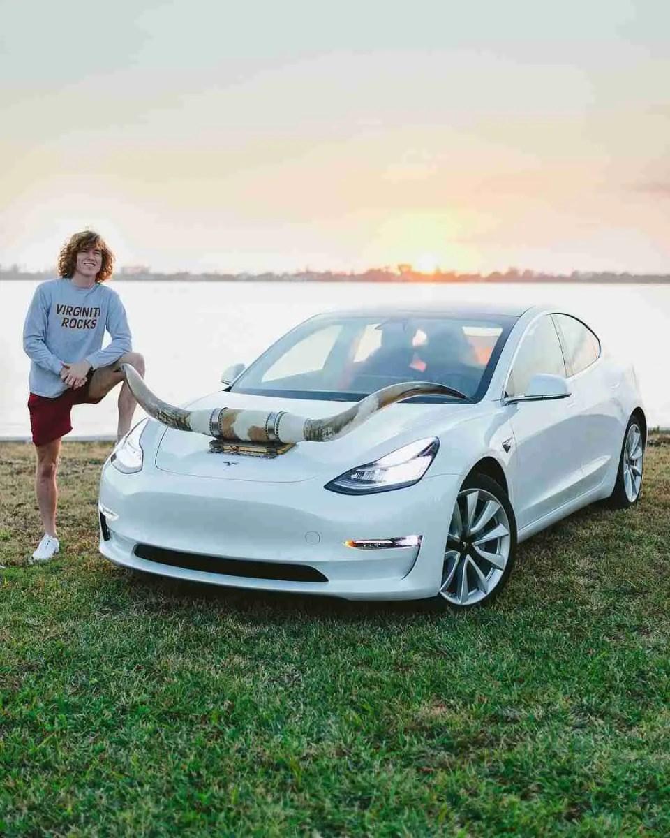 Danny Duncan gets himself a Tesla Model 3, mounts bull