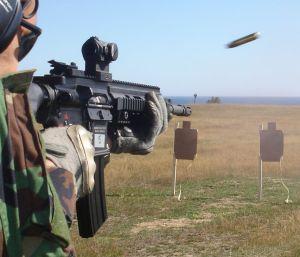 HK 416 (5.56mm cañón de 14.5 pulgadas) dotado de visor Aimpoint Micro T-1 (© Jorge Tierno Rey)