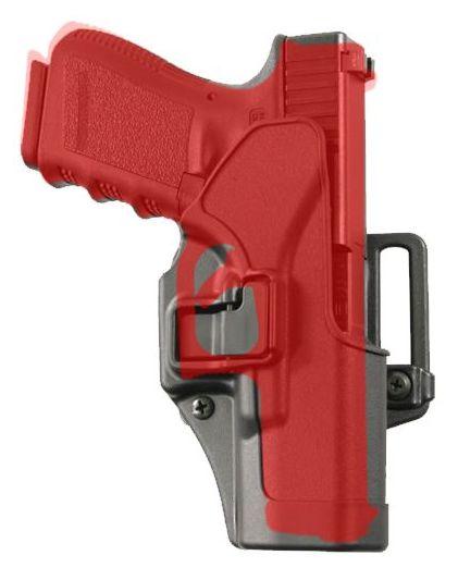 Detalle de cómo el pulsador se encuentra sobre el disparador y guardamontes.
