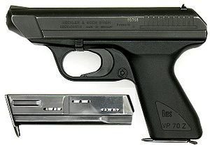 Pistola semiautomática HK VP70Z, la primera con armazón de polímero.