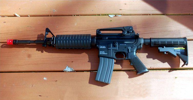 El fusil de airsoft KWA LM4 PTR imita al M4A1 en casi todo y puede suponer un valioso añadido para tu plan de adiestramiento.