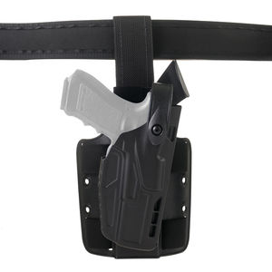 DG_7304_black_gun_with_belt