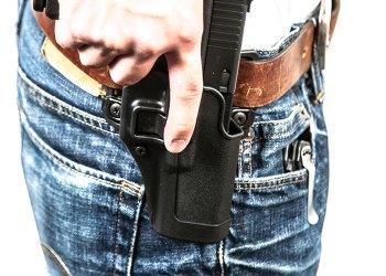 Funda pistolera Blackhawk SERPA: evidentemente peligrosa aunque muy popular