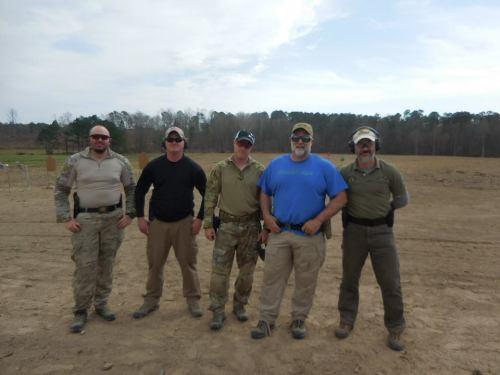 """12 y 13MAR16. Curso de Pistola de 2 días [2 Day Pistol Course] de John """"Shrek"""" McPhee, en Sanford (North Carolina, EE.UU.), al que asiste como alumno Juan I. Carrión."""