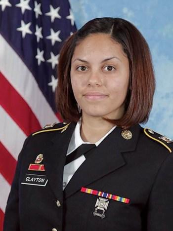 Especialista del Ejército de Tierra estadounidense Hilda Clayton.