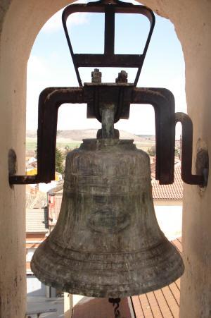 Oír campanas y no saber dónde