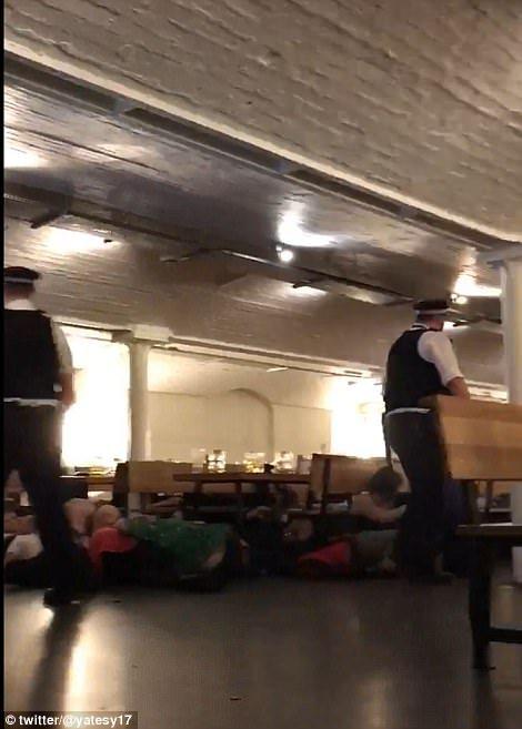 Durante el ataque del 3 de junio de 2017 en Londres algunas víctimas se escondieron dentro de un bar. Los atacantes entraron en el bar rompiendo los ventanales exteriores y apuñalaron a más clientes una vez dentro.