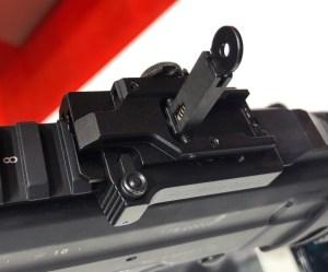Alza abatible del fusil HK 433 expuesto en la feria Enforce Tac 19 2