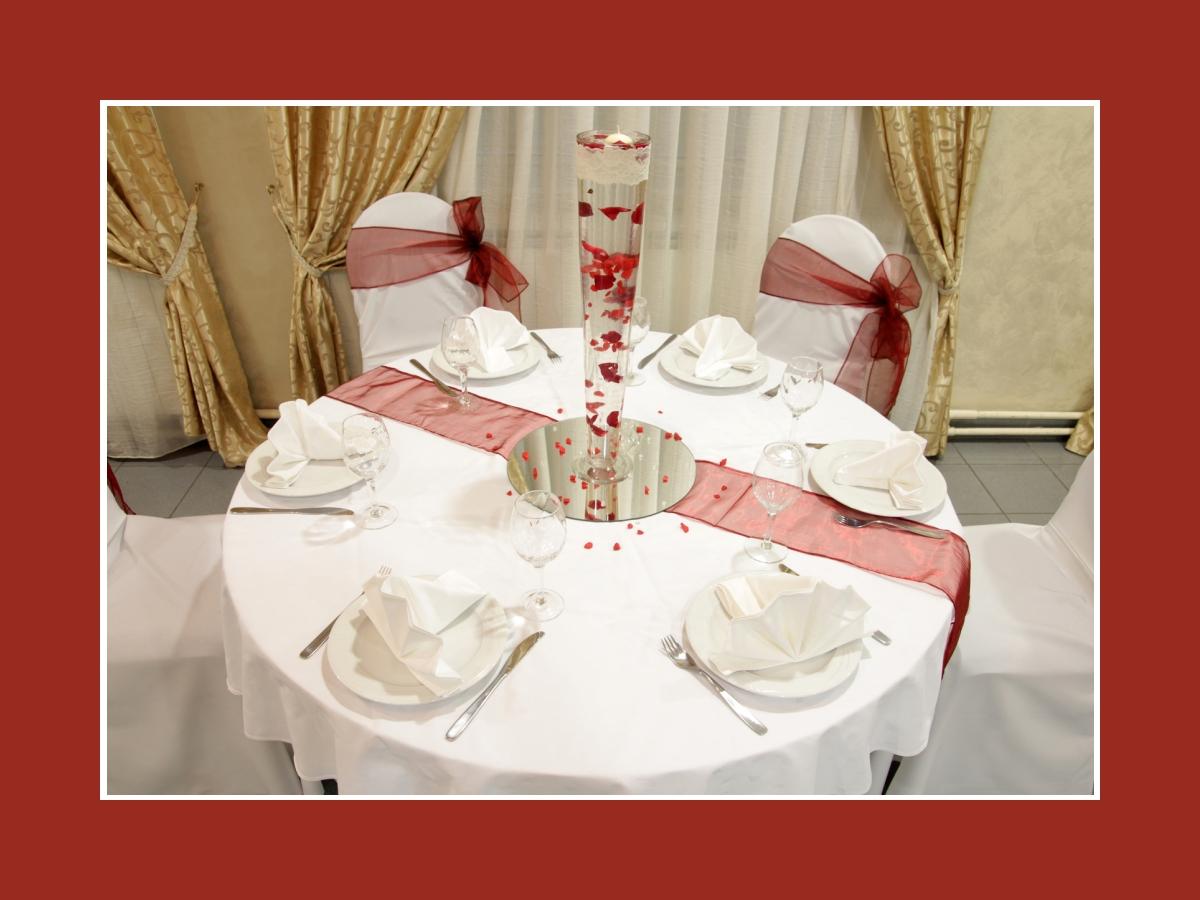 Tischdeko Runder Tisch Hochzeit Blumen Tischdeko Hochzeit Runde