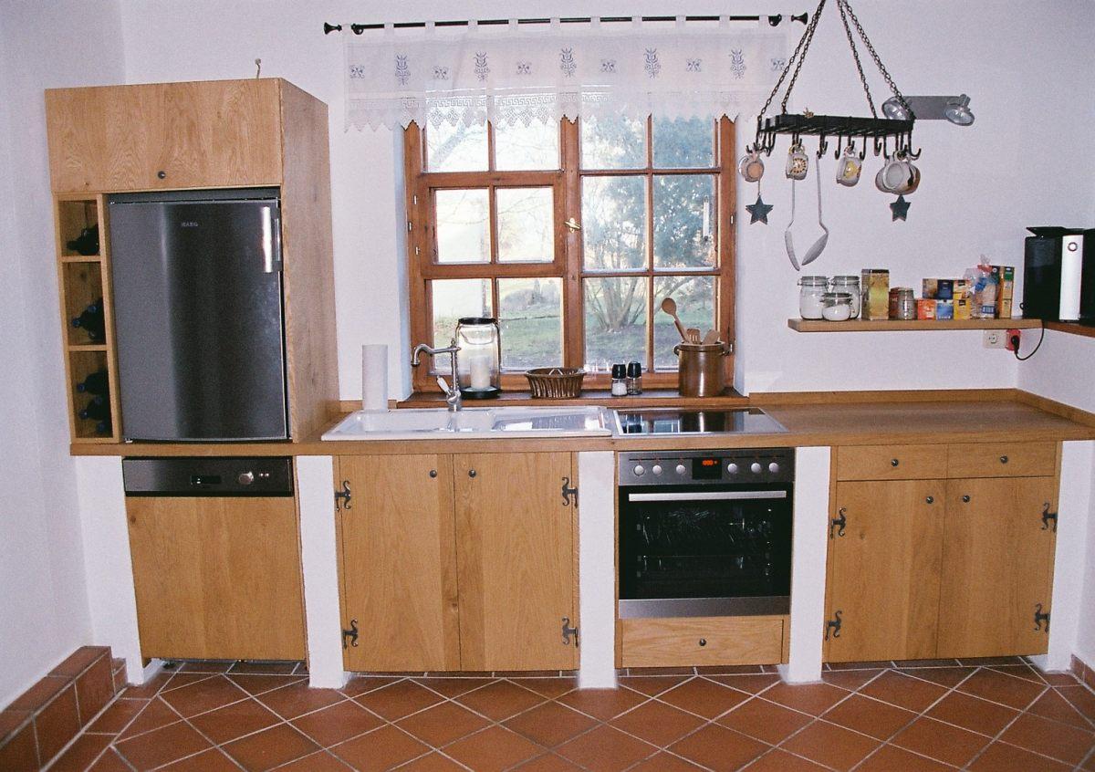 schwedische landhausm bel hell und luftig esszimmer im schwedischen landhausstil. Black Bedroom Furniture Sets. Home Design Ideas