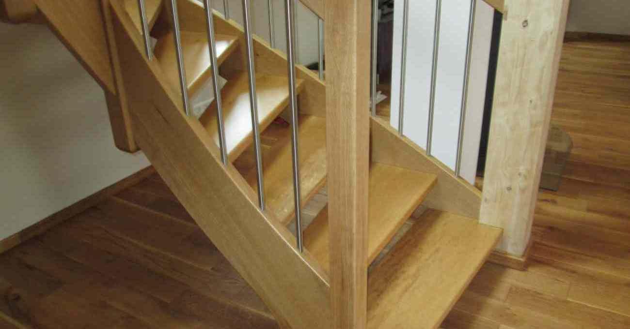 treppe aus eichenholz mit edelstahl gel nderst ben tischlerei albers. Black Bedroom Furniture Sets. Home Design Ideas