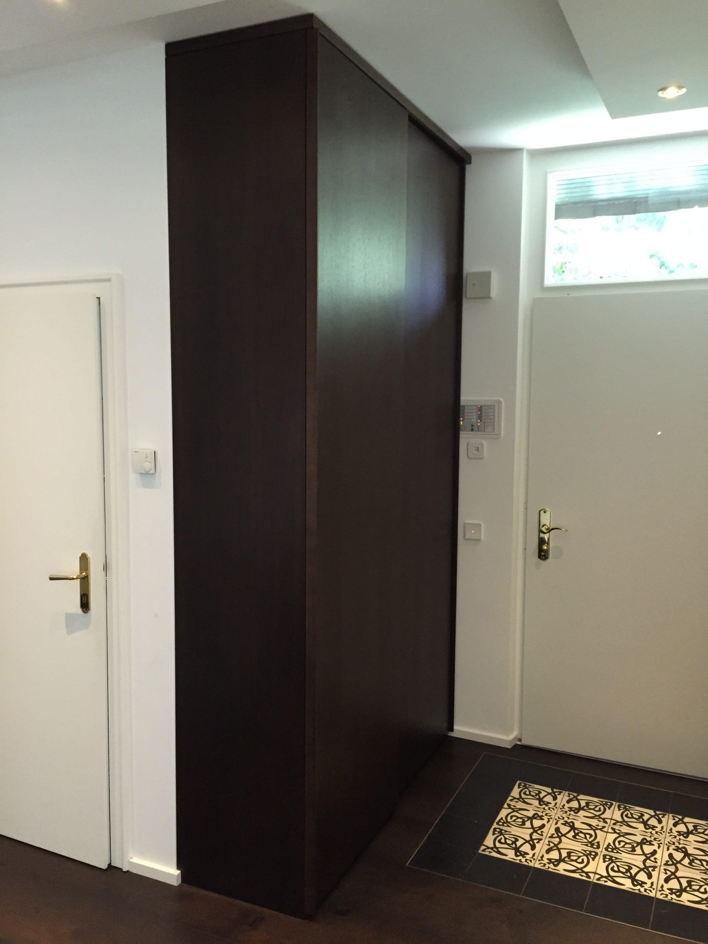 garderobenschrank mit schiebet r schuhschrank mit. Black Bedroom Furniture Sets. Home Design Ideas