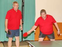 Bernd Gilles (li) und Stehan Kramer holten beim Sieg von Edelsberg III gegen Freienfels zusammen fünf von neun Punkten