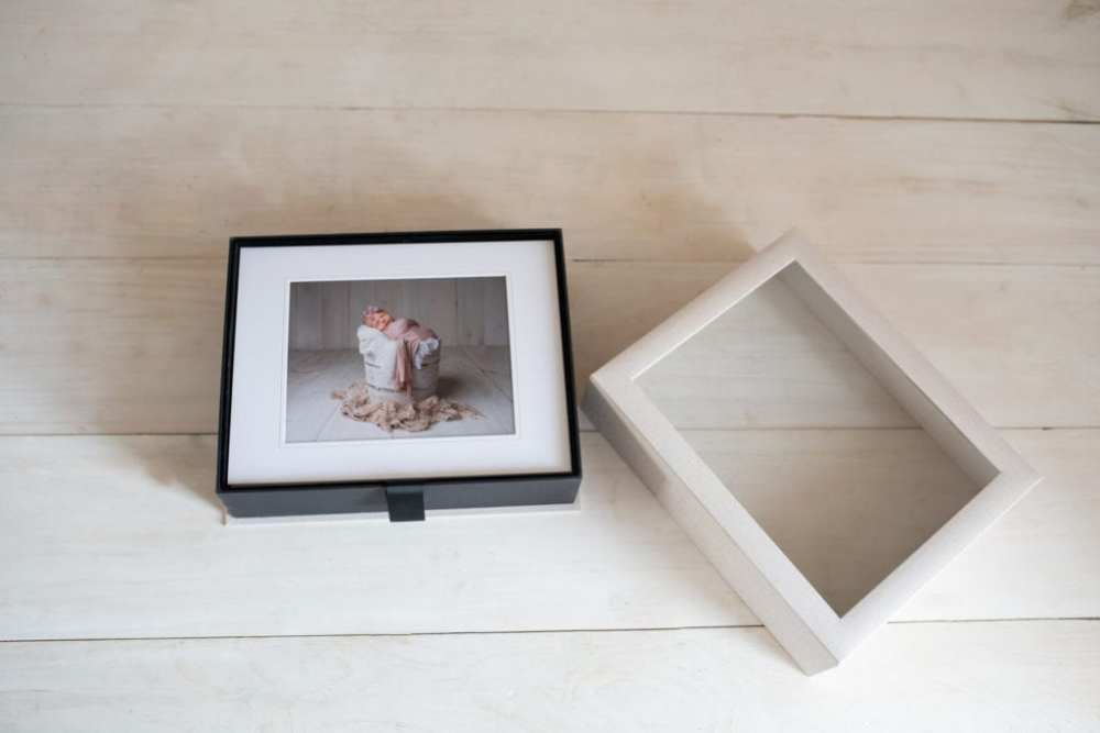 Keepsake Matted Print Box With Reveal Window with size 11x14 matted prints