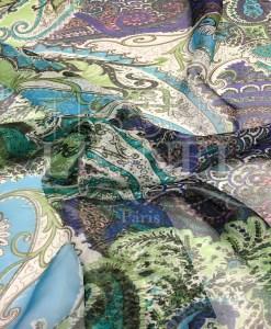 Paisley-Muster Chiffon blauer Hintergrund