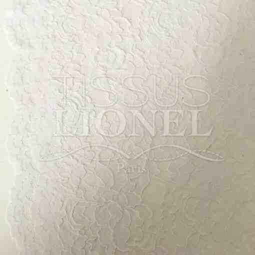 Tissu dentelle couture festonnée blanc