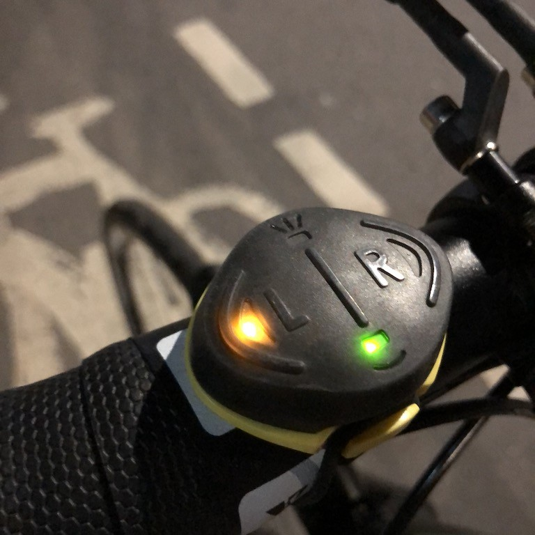 TitaniumGeek IMG_3266 Blinkers by Velohub Review: Big, Bright and lights cycling commuting