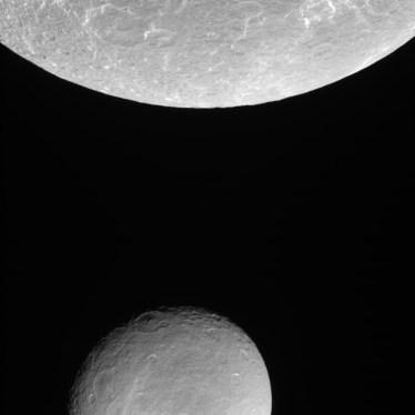 Rhea passes below Dione