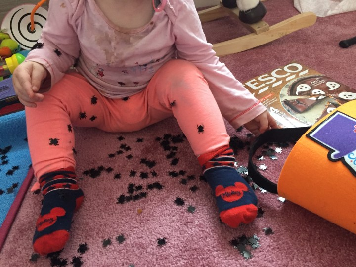 Halloween. Toddler activities. Spider sequins