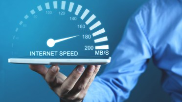 An internet speed test on the Fast.com website.