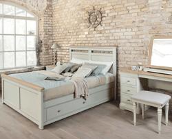 David-Salmon-Fairford-bedroom-(2)