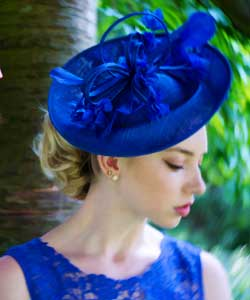 Coral-Bow-Fascinator-by-Vixen-Milinery-and-Royal-Blue-Disk-by-Nigel-Rayment
