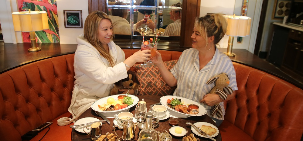 Gemma and Sam HL having breakfast at The Ivy - Title Sussex Magazine www.titlesussex.co.uk