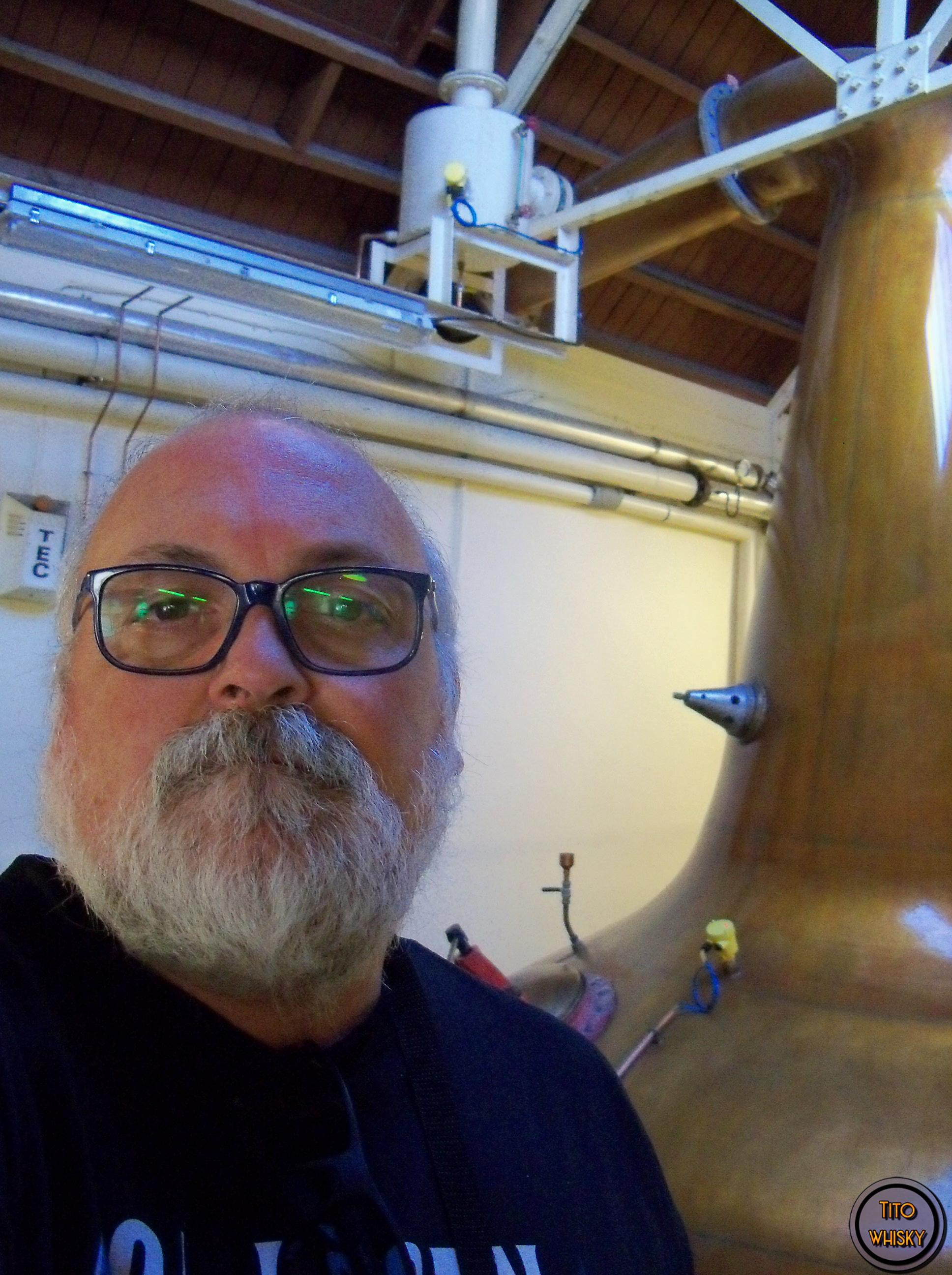 Tito en la destilería Glen Moray