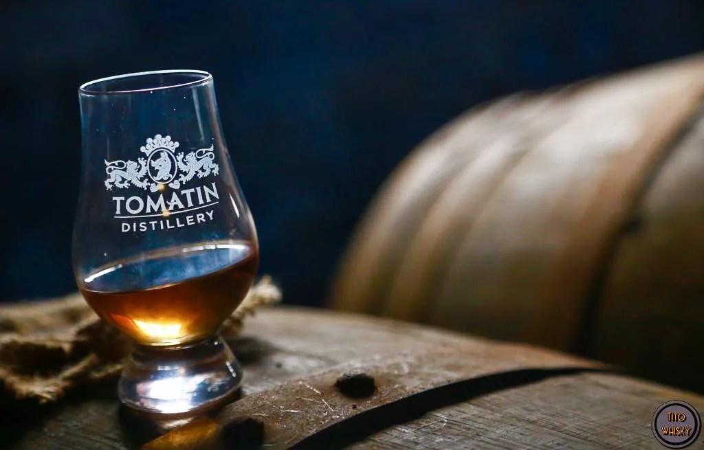 Degustando whisky Tomatin