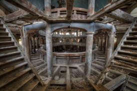"""This abandoned late 18th century chapel is definitely the """"holy grail of urban exploration (urbex)"""".Photo By Niki Feijen"""