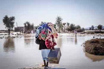 سیل در استان سیستان و بلوچستان. عکس ازبخش روستاهای عورکی و منطقه زر آباد شهرستان چابهار. عکس از مهین محمدزاده / NVP Images