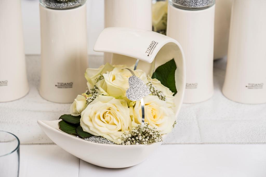 Tischdeko zur Hochzeit Schlichte Eleganz ganz in Wei