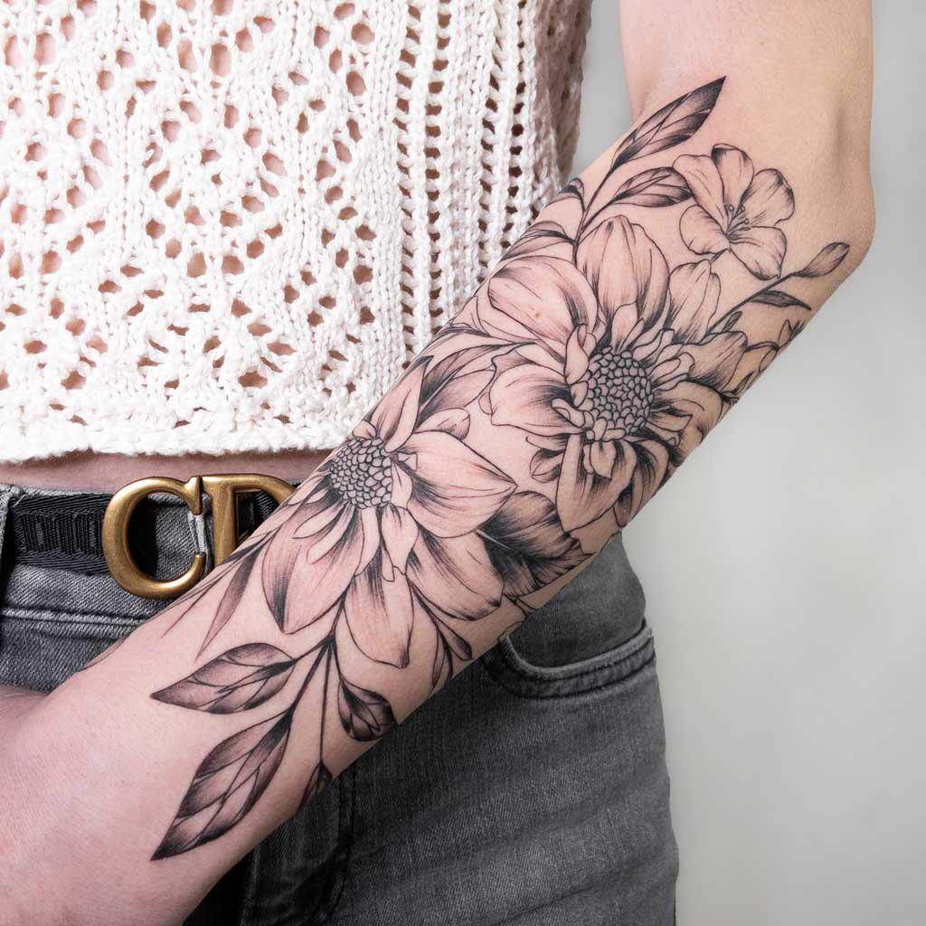 Tatouage-fleurs-bras-toulouse