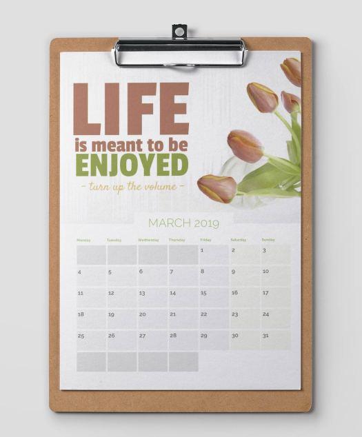 calendar on a clipboard