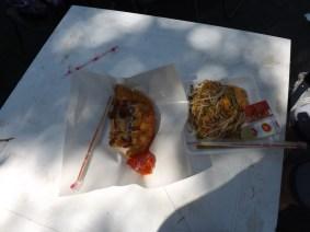 Sea food omlette and Pad Thai