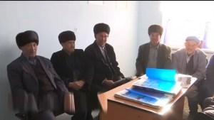 Ӯзбекистон: имом-хатибон ба рӯзномаҳои давлатӣ обуна шудан маҷбур мекунанд