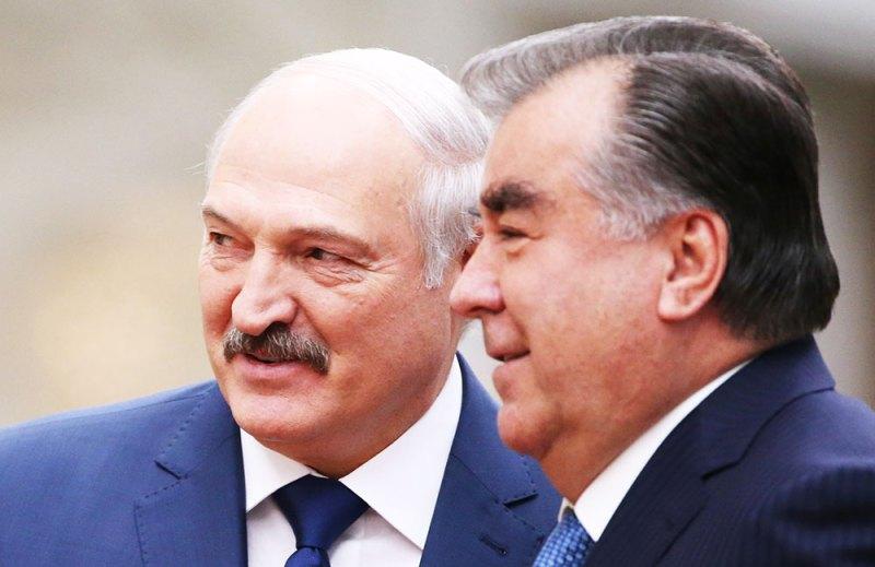 Раҳмон Лукашенкоро дастгири намуд