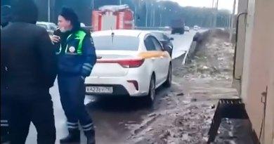 Ронандаи такси муҳоҷирро дар Москва ба дор овехтаанд