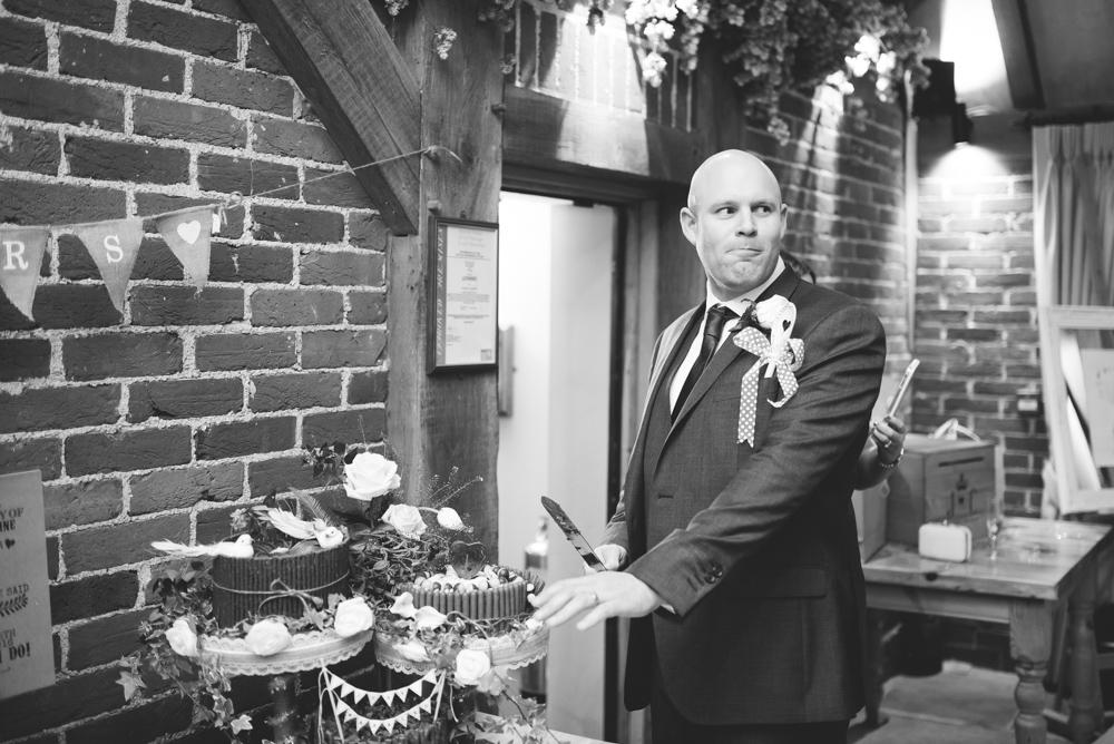Kent wedding photographer cake