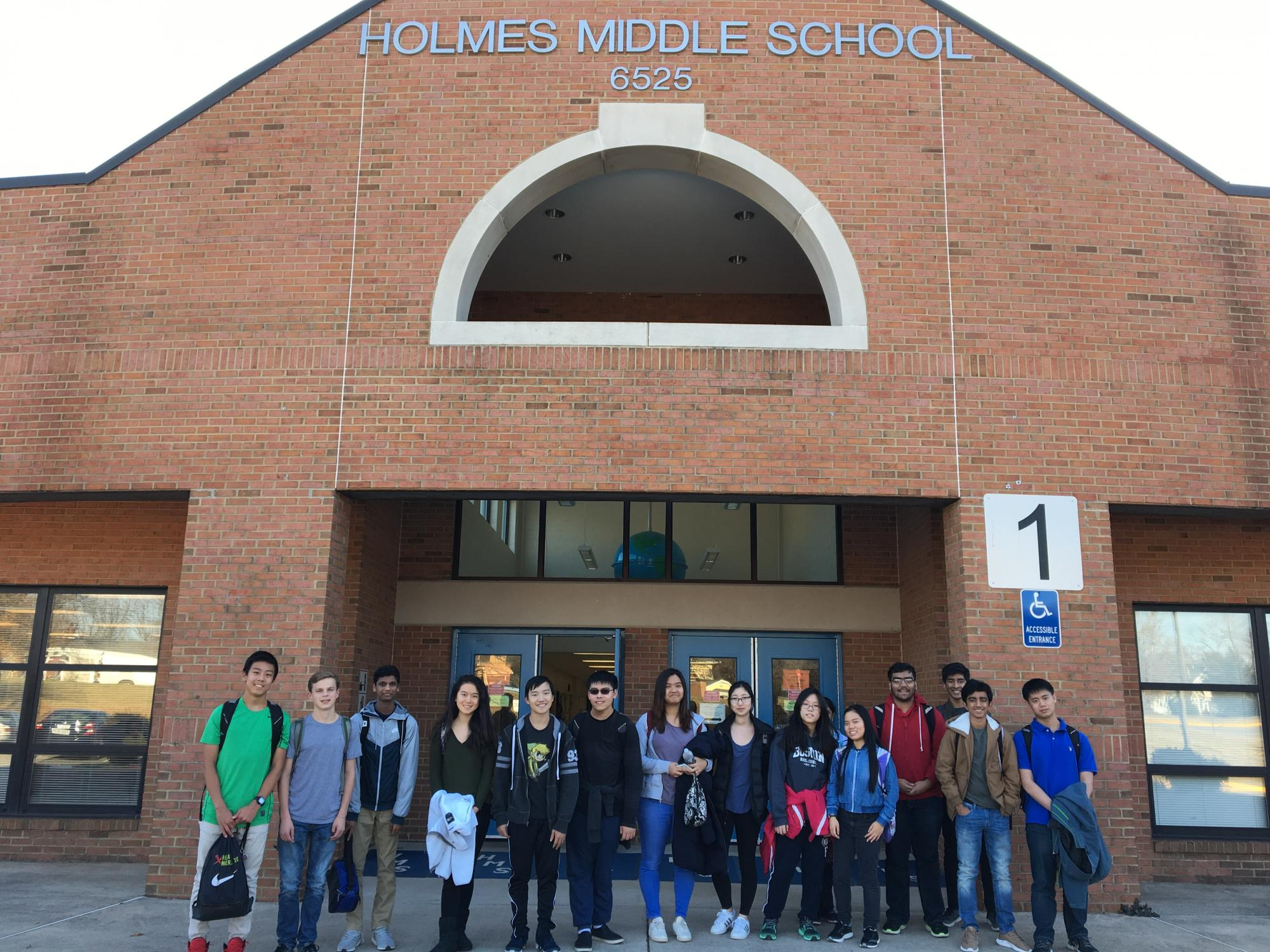 Eighth Period Clubs Offer Tutoring to Middle and