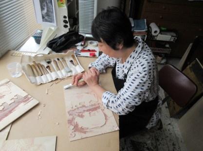 Nana shiomi with artwork