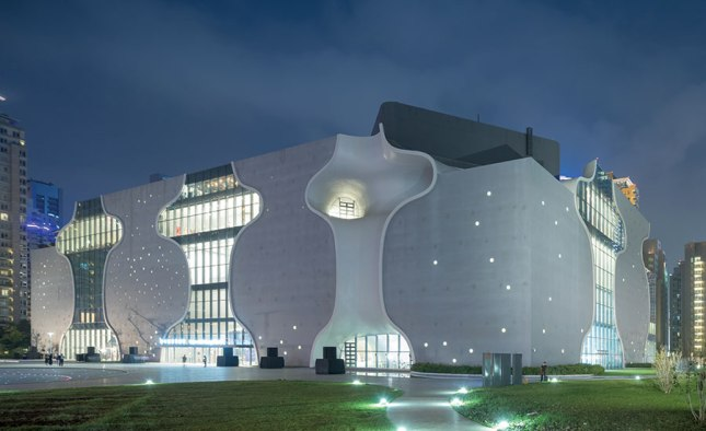 1612-Arts-Centers-Toyo-Ito-Associates-Taichung-City-Taiwan-National-Taichung-Theater-01