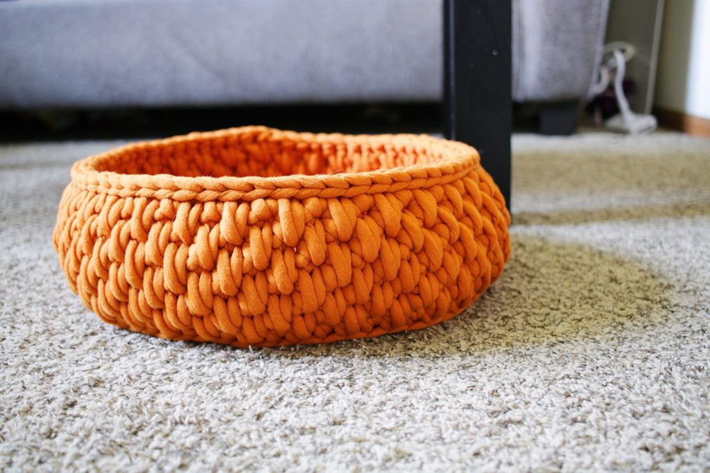 Swell Tl Yarn Crafts The Big Little Pet Bed A Round Cat Bed Short Links Chair Design For Home Short Linksinfo