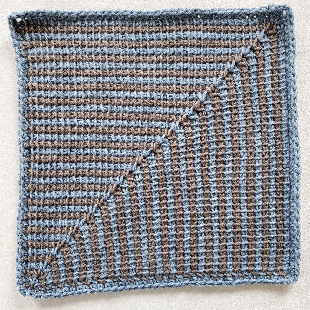 Learn to crochet Tunisian mitered squares, easy Tunisian crochet stitch beginner basic crochet stitch with video tutorial and written pattern instructions. | TLYCBlog.com