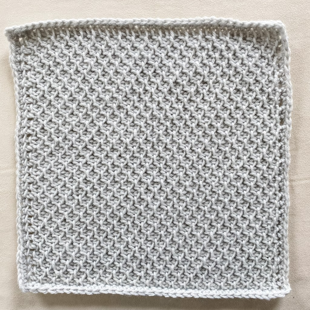 Tunisian crochet honeycomb stitch | Free written pattern and tutorial video for Tunisian crochet beginner learn how to crochet the Tunisian crochet arrowhead stitch | TLYCBlog.com